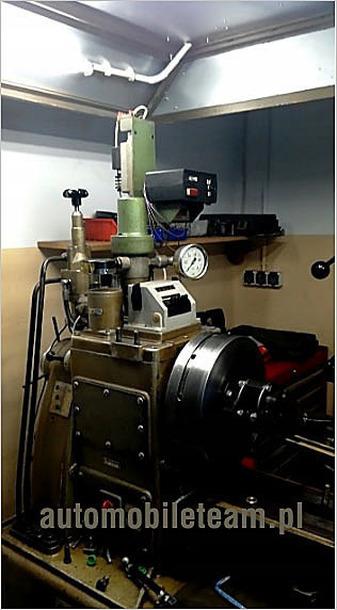 Stół probierczy do regulacji pomp  rzędowych i rotacyjnych. Foto 2.